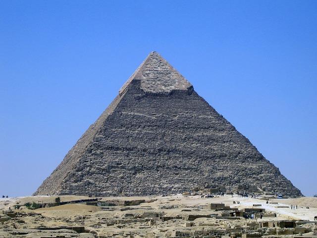 Pyramída Khafre.jpg