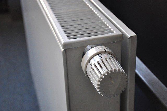 bílý radiátor