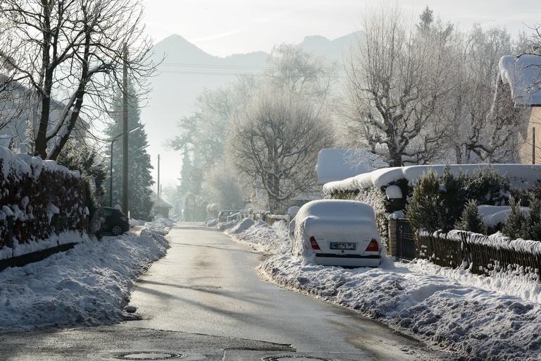 Cesta v zime, zasnežené prostredie